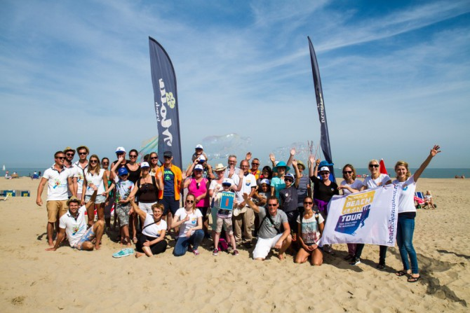 150803-Boskalis-Beach-Cleanup-Tour_090-1024x683-e1463994730845