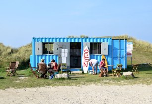 Blue-Bay-cafe