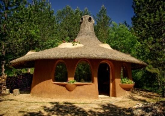 omaya-eco-village