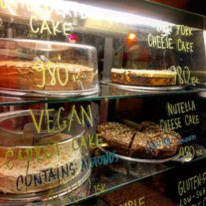 Café Babalú  Cafe Adres: Skólavörðustígur 22, 101 Reykjavík, IJsland Openingstijden: Vandaag geopend · 11:00–23:00 Telefoon: +354 555 8845