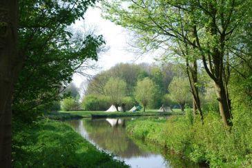 http://www.amstelkade.nl/
