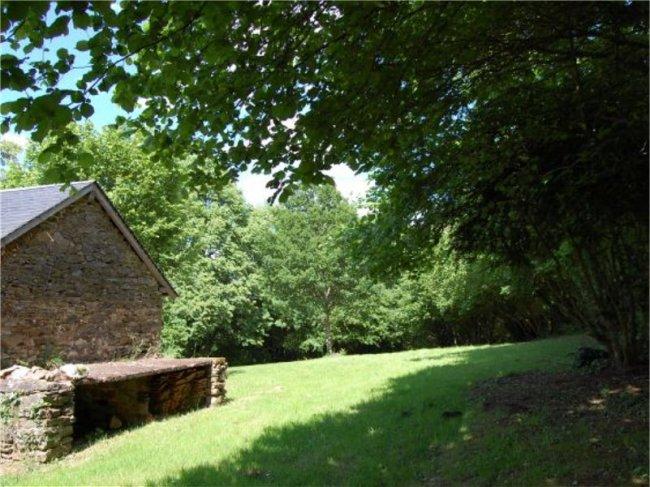 Huis te koop Frankrijk Limousin doorkijk naar veld achter
