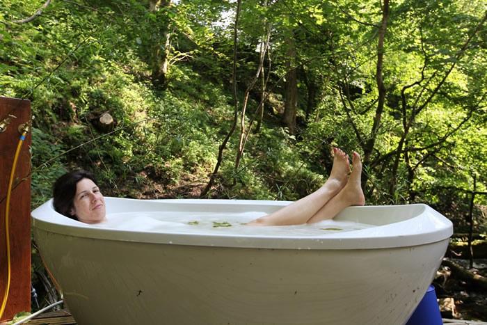 2011a_in_lower_bath