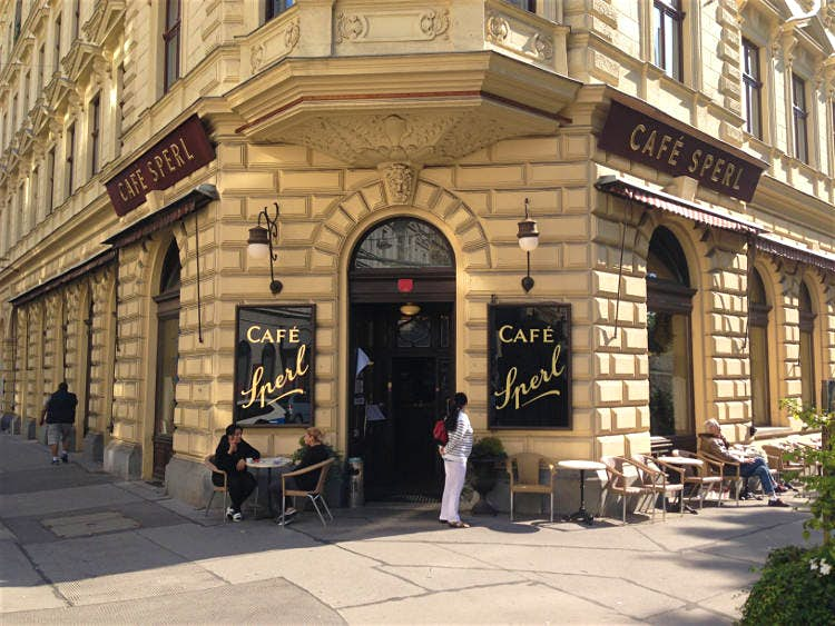 Cafe-Sperl-1