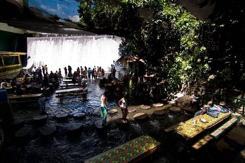 Villa-Escudero-Waterfall-Restaurent-004