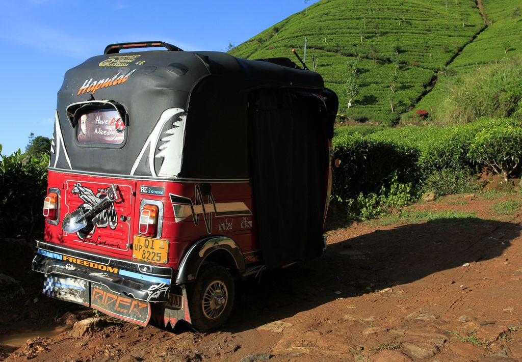 sri-lanka-a-tuktuk-in-haputale-photo