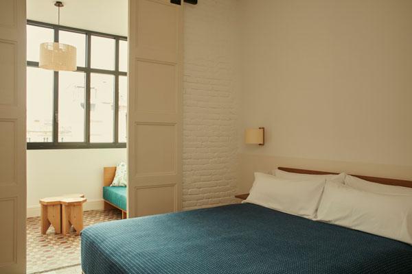 Casa_Bonay_TMM_wall_lamp_Miguel_Mila_Nagoya_pendant_lamp_Ferran_freixa_Santa_Cole_Pic_Nacho_Alegre.jpg