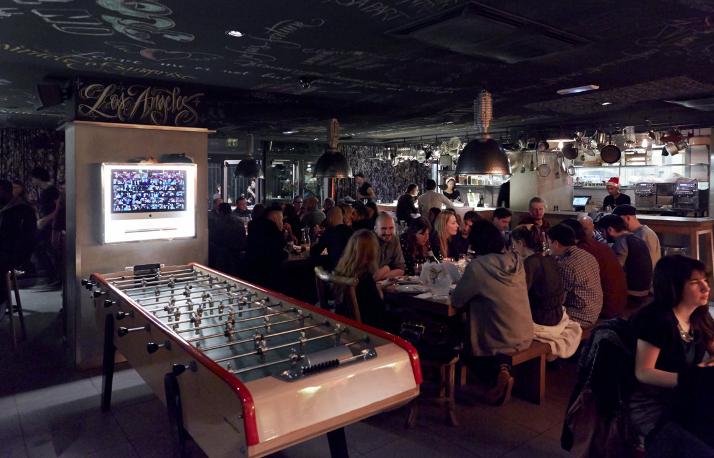 mama-shelter-paris-restaurant-8