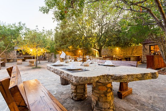 courtyard-for-guests-1
