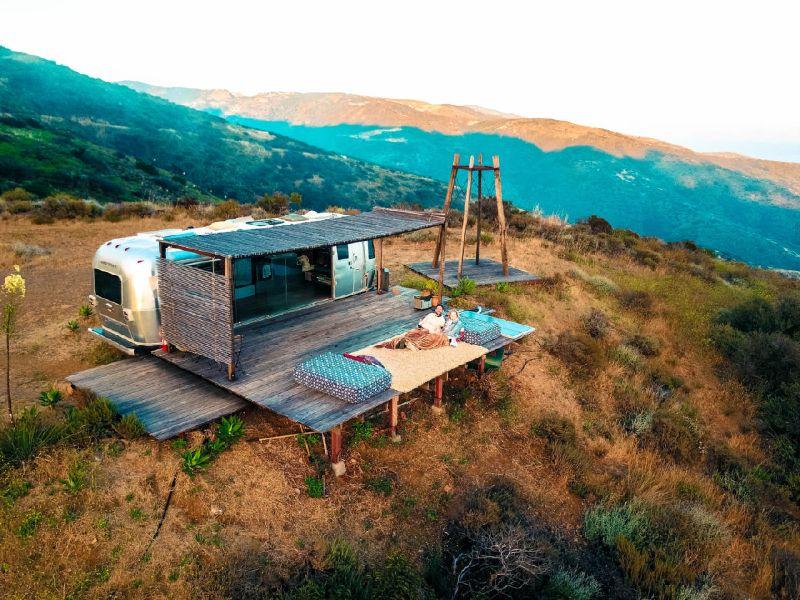 16012589_the-best-malibu-airbnb-my-airstream-dream_t5691df4f