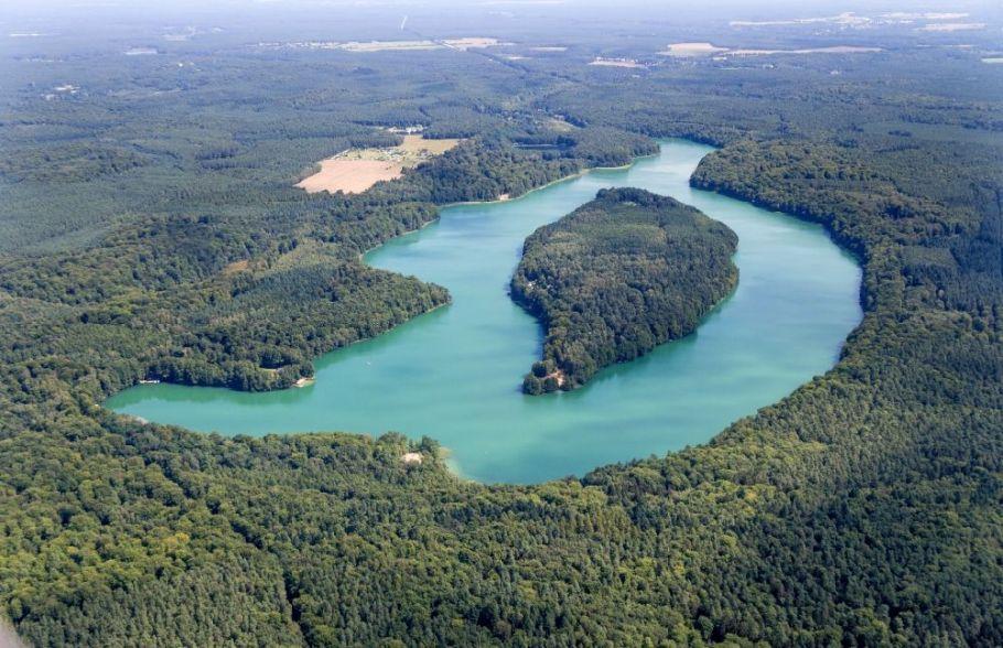 See- Insel Großer Werder auf dem Liepnitzsee in Wandlitz im Bundesland Brandenburg, Deutschland