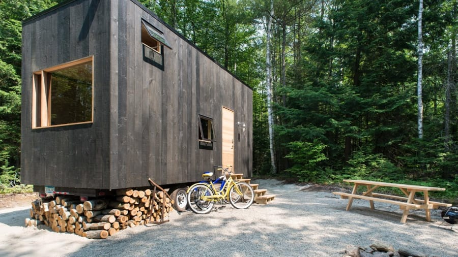 http_cdn.cnn.comcnnnextdamassets151028104705-getaway-tiny-house