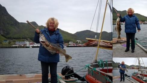 2012-05-12 Lofoten, Tone Ramberg med fisk