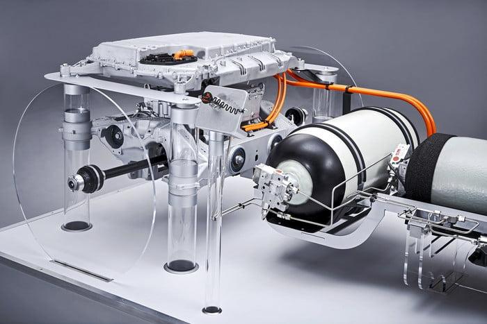 Os SUVs da BMW terão uma motorização hidrogénio/eléctrica 4