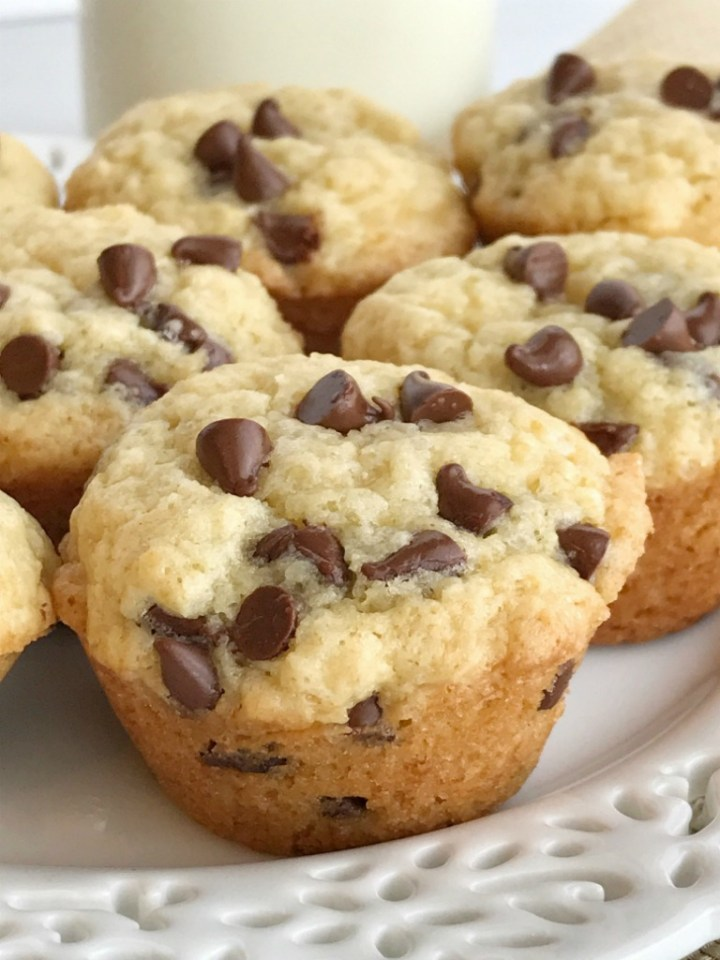 Muffins   Chocolate   Snack recipes   Mini muffins   Chocolate Chip Muffins   www.togetherasfamily.com