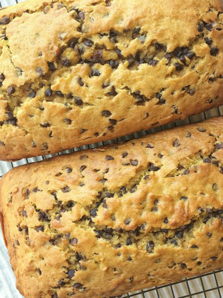Banana pumpkin chocolate chip bread is a must-make! Sweet bananas, pumpkin, lots of chocolate, and it bakes up to perfection. This quick bread is a must-make for Fall.