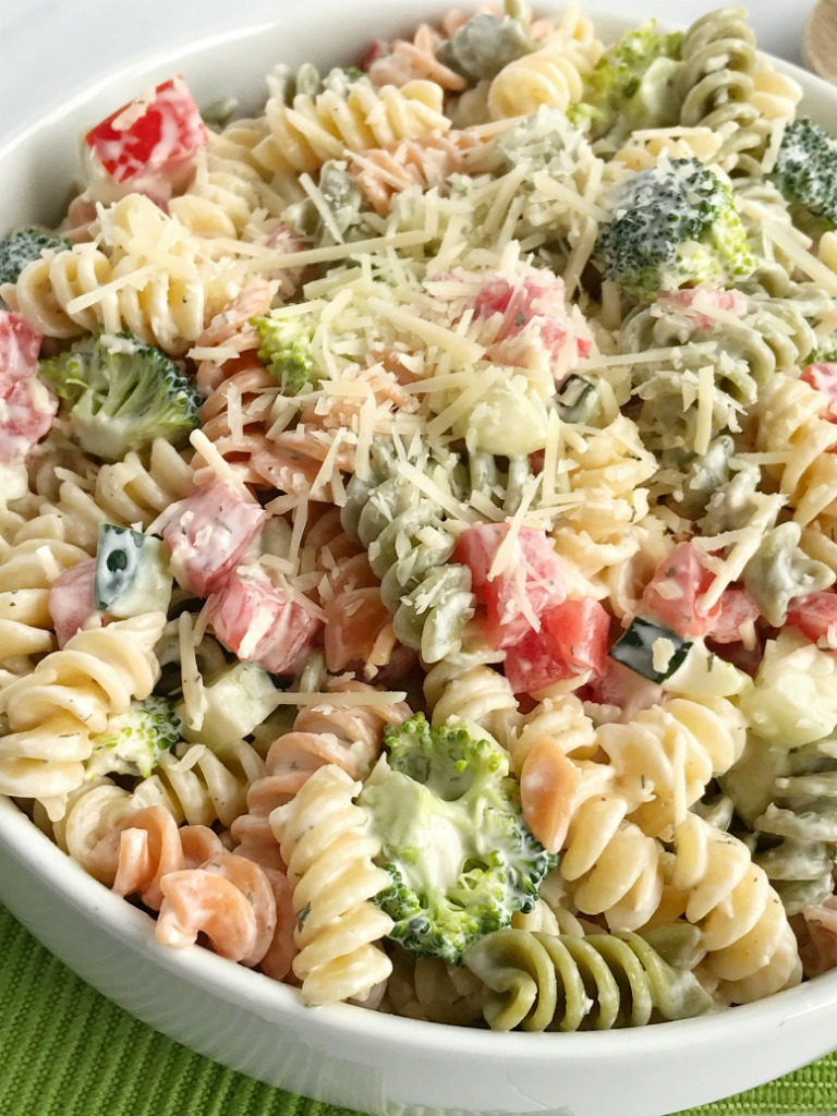 Easy Pasta Salad with Cucumbers Tomatoes