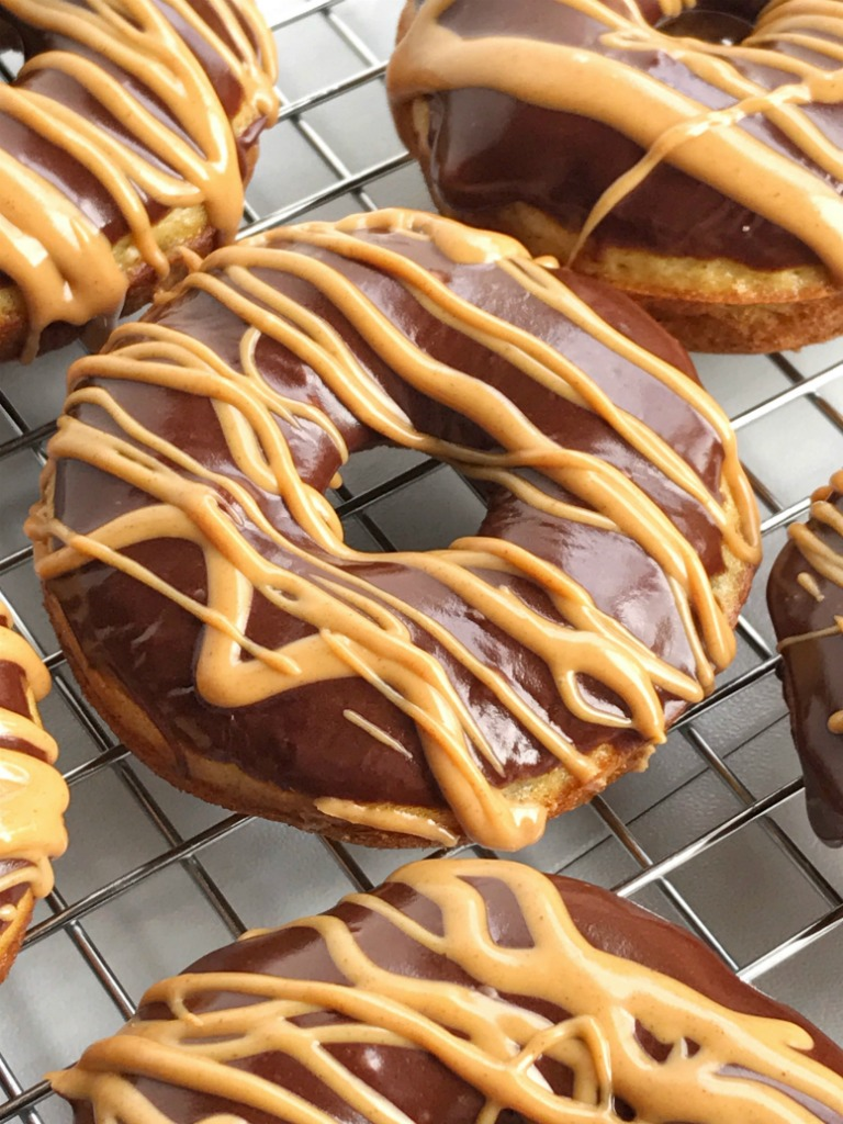 Baked Banana Bread Donuts With Chocolate Peanut Butter