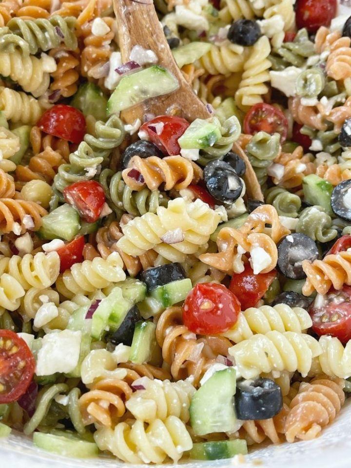An easy recipe for making Italian pasta salad.