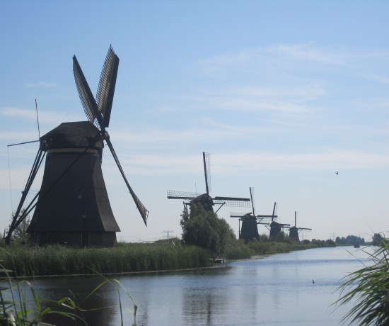 The Windmills at Kinderdijk that you can visit when in Rotterdam