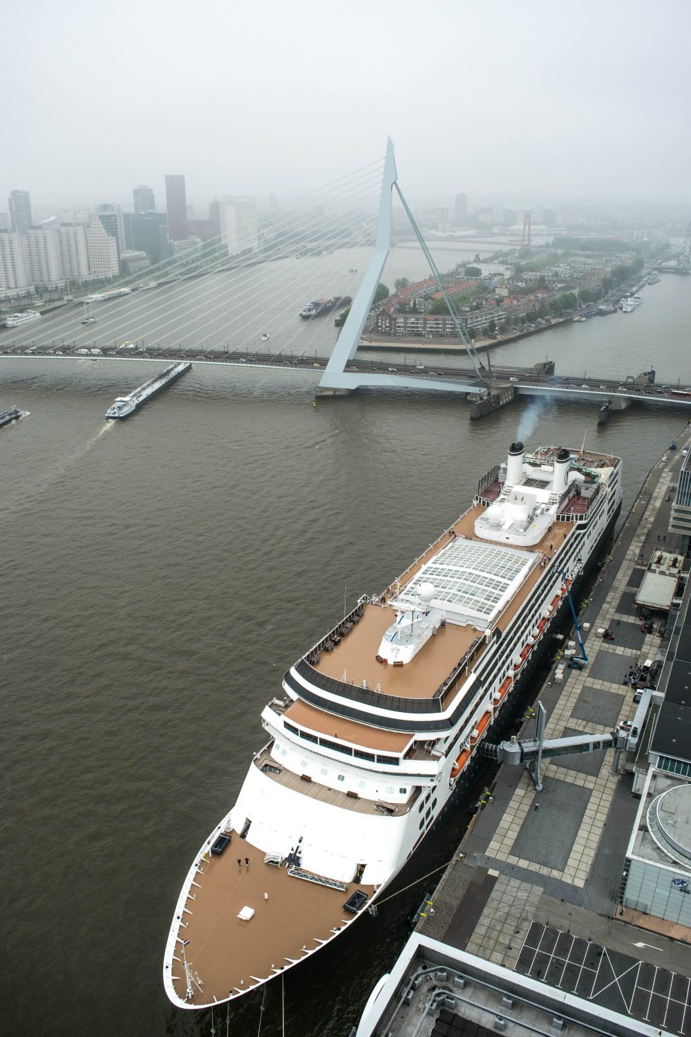 Dakendagen Rotterdam Rooftop Days looking down at MS Rotterdam and the Erasmusbrug