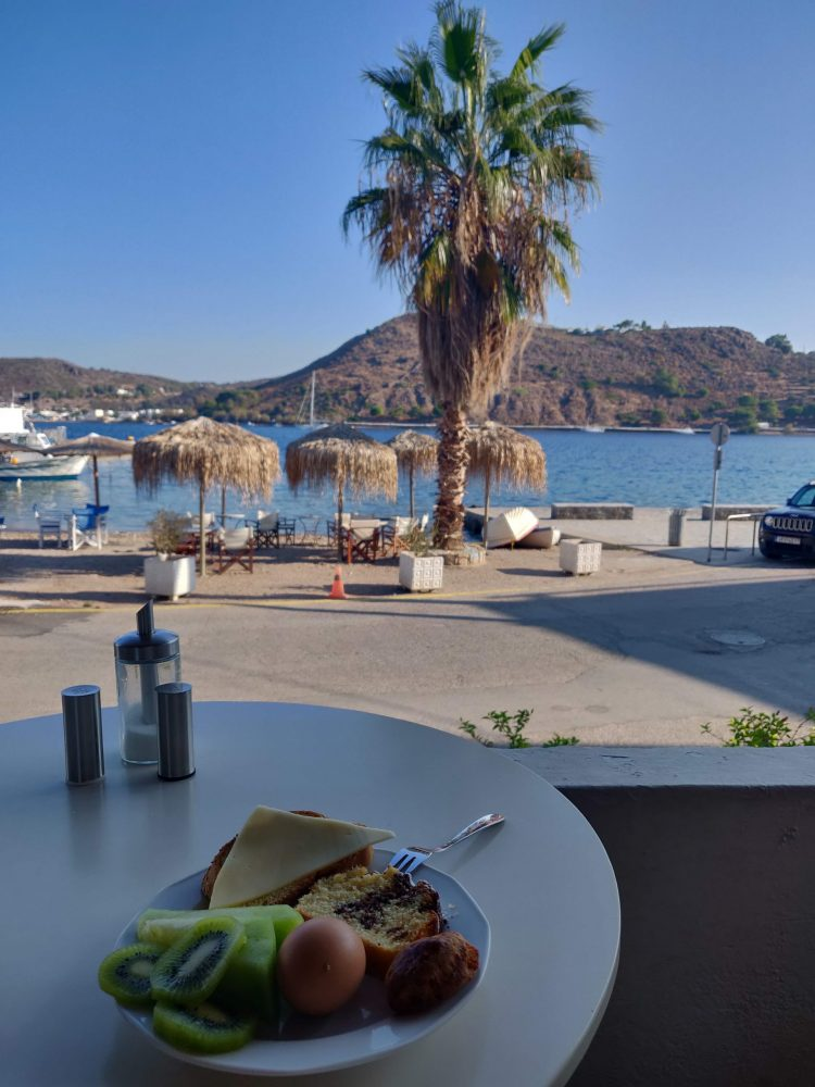 Breakfast with a sea view in Patmos
