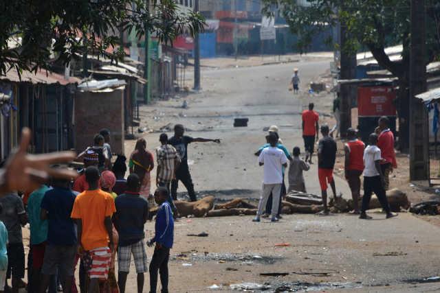 Barrage au mandat de trop : Le réveil des Guinéens, le sommeil des Togolais