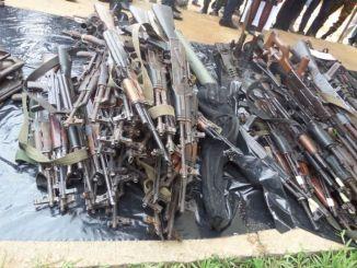 etou ci Côte d'Ivoire: des armes de guerre découvertes à Abidjan