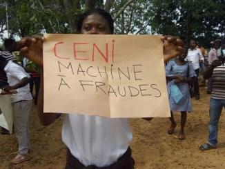 WhatsApp Image 2017 10 16 at 09.51.50 [Urgent]: CENI: des manifestants dispersés par la police! (Update)