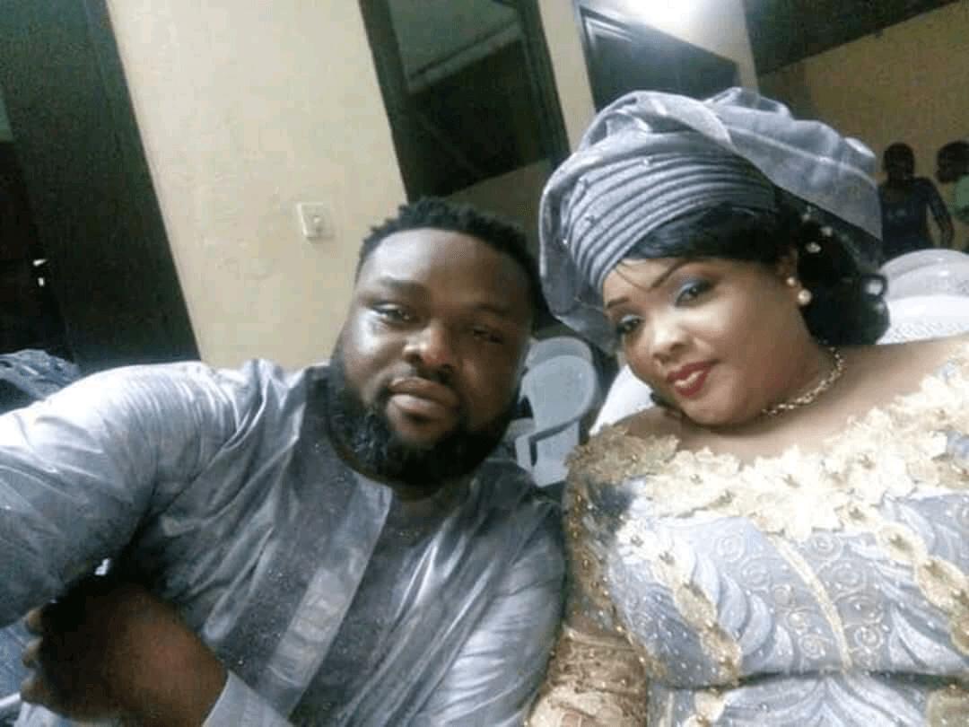 """IMG 20171218 WA0047 1 People: le rappeur Olibig """"raillé"""" sur les réseaux sociaux après avoir dévoilé les photos de sa nouvelle épouse [Vidéo]"""