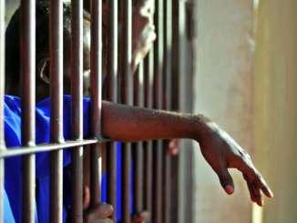 prisonnier Un homme arrêté pour avoir couché avec plus de 13 députées
