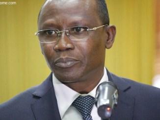sani yaya Togo: bientôt des sanctions contre les microfinances illégales