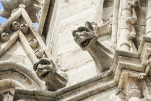 ND 2 Mysticisme: le vrai sens caché des statues de Notre Dame de Paris