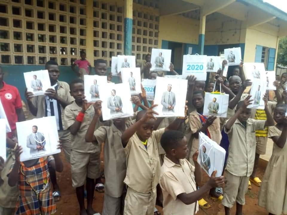 faure 2020 Togo: un proche de Faure Gnassingbé abêtit les élèves dans le moyen mono