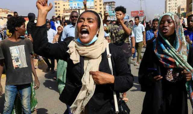 Coup dEtat au Soudan larmee dissout le pouvoir civil et declare letat durgence Coup d'État au Soudan : l'armée dissout le pouvoir civil et déclare l'état d'urgence