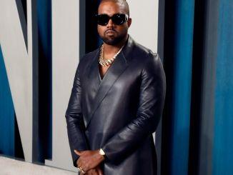 Kanye West ne sappelle plus Kanye West Kanye West ne s'appelle plus Kanye West !