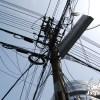 中国の送電線の行きあたりばったりな架線状況