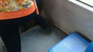 中国のバスは空いていても座るのが難しい