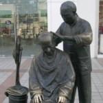 中国の街のあちこちに立ってる銅像がおもしろい