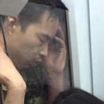 ガラスに顔を押し当てて眠っている隙きも油断しちゃダメ