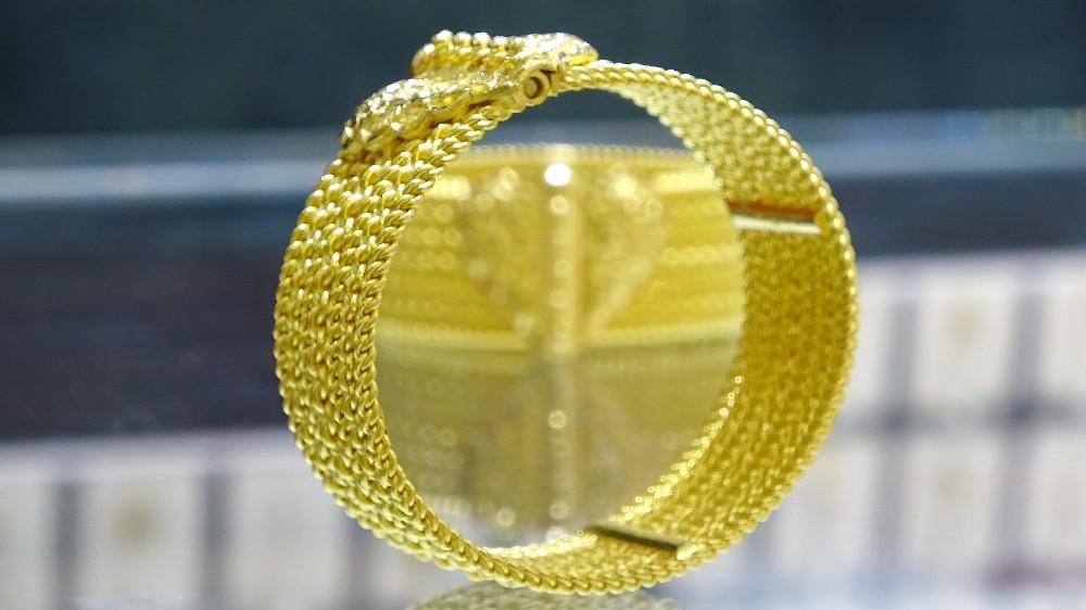 Bu altın bilezikler, otomobil fiyatına alıcı buluyor