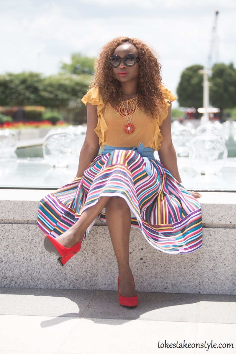 How to wear a multi-colored striped skirt5