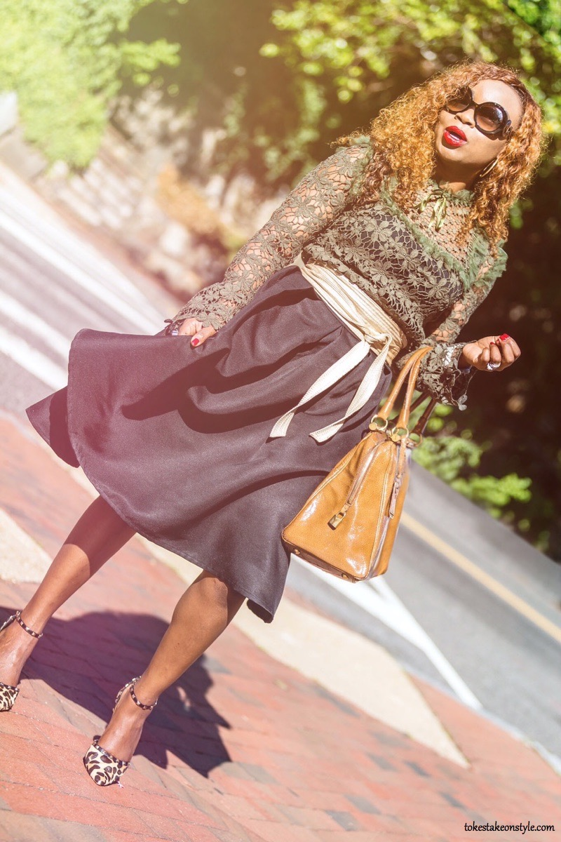 Fall style trend with black fashion blogger