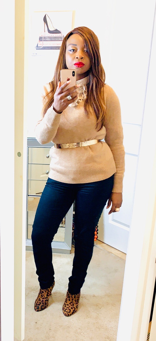 transition-summer-wardrobe-to-fall-cashmere-sweater-with-jeans