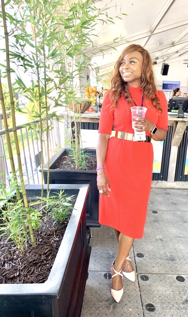 what-to-wear-valentines-galentines-day-work-outfit-red-donna-morgan-dress