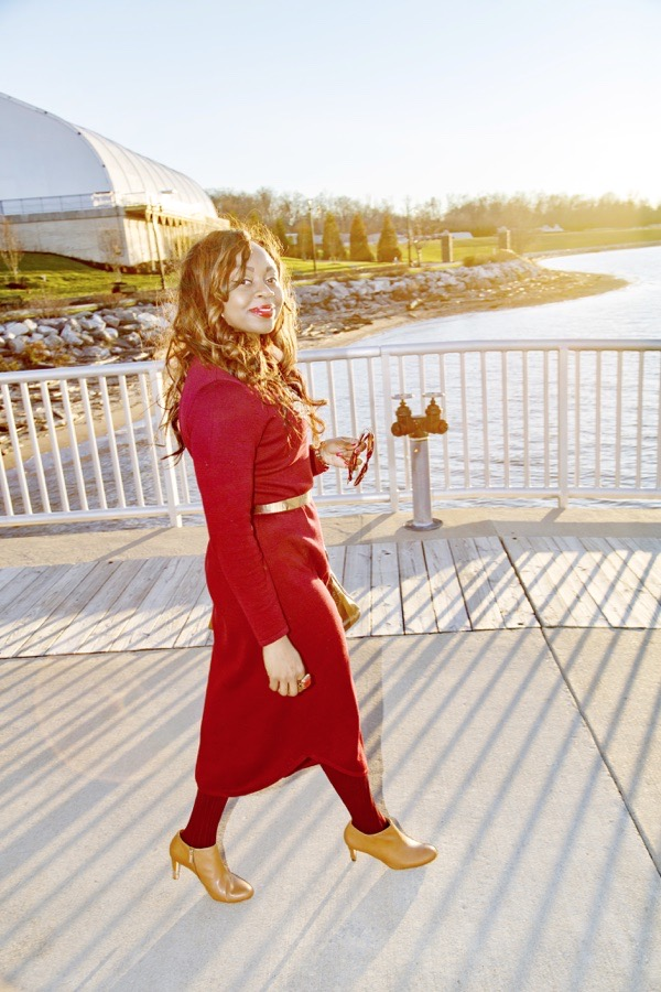 tokes-ojo-ade-how-to-style-a-burgundy-sweater-dress-tan-booties-tokestakeonstyle