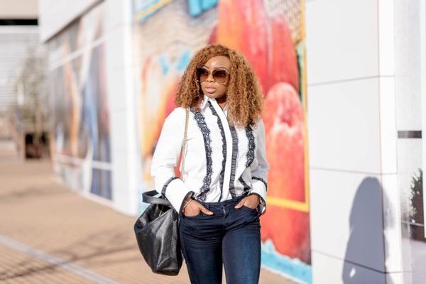 classic-wardrobe-essentials-white-button-down-shirt-jeans