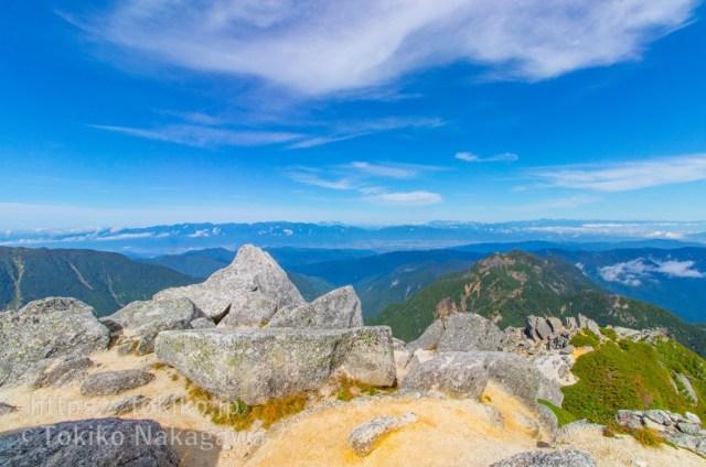 甲斐駒ヶ岳山頂からみた中央アルプス・御嶽山・北アルプス