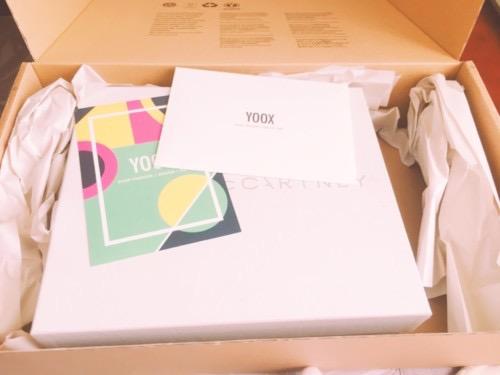 yooxから来た段ボール