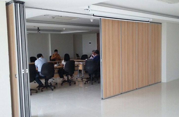 Partisi Sliding Wall Untuk Meeting Room